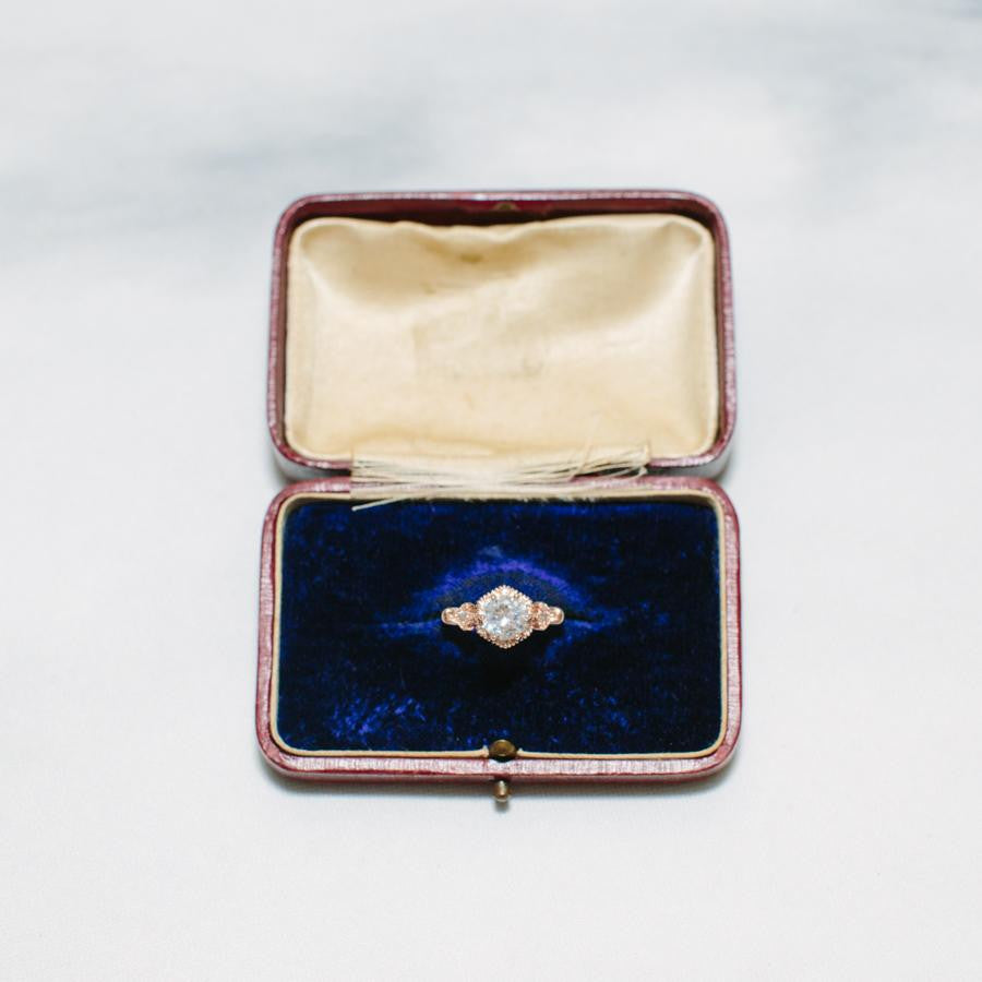 Vintage Ring Box Silk and Velvet - thestylingmat
