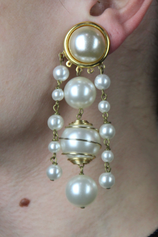 Long pearl earrings--0288