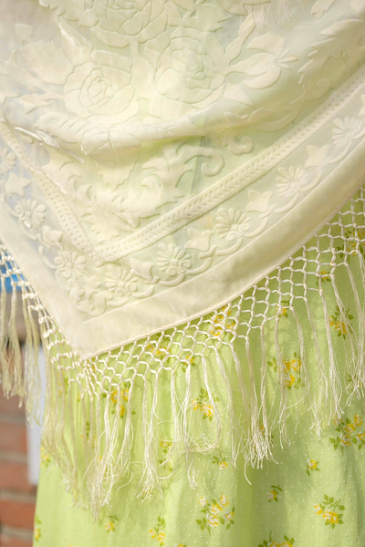 Vintage floral embroidered scarf with fringes