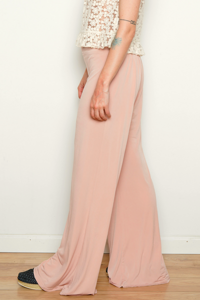 The SANG Women's Pants in Pink