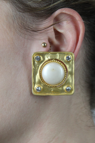 Clip pearl earrings--0279