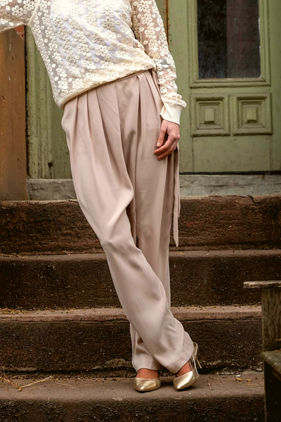 Ellen Tracy Beige High Waist Belted Dress Pants