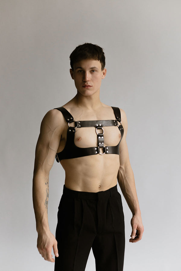 Anoeses leather men harness in black color