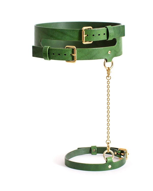 Anoeses green leather belt, garter and cuffs