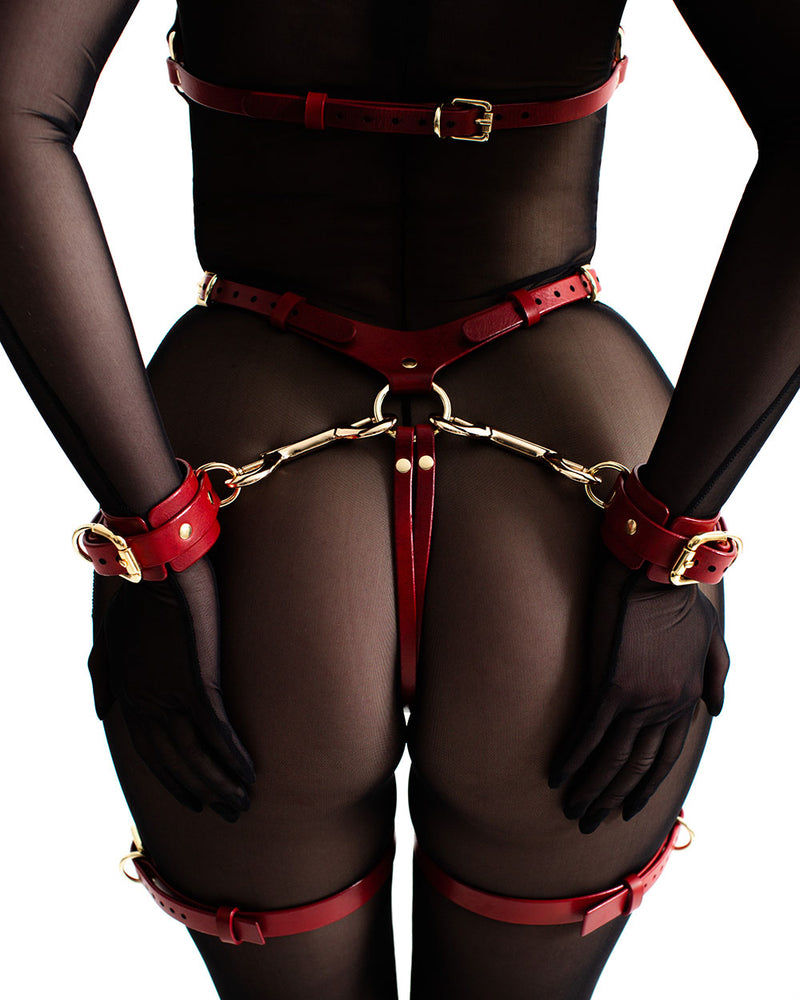 anoeses bdsm leather harness ORA with handcuffs from behind