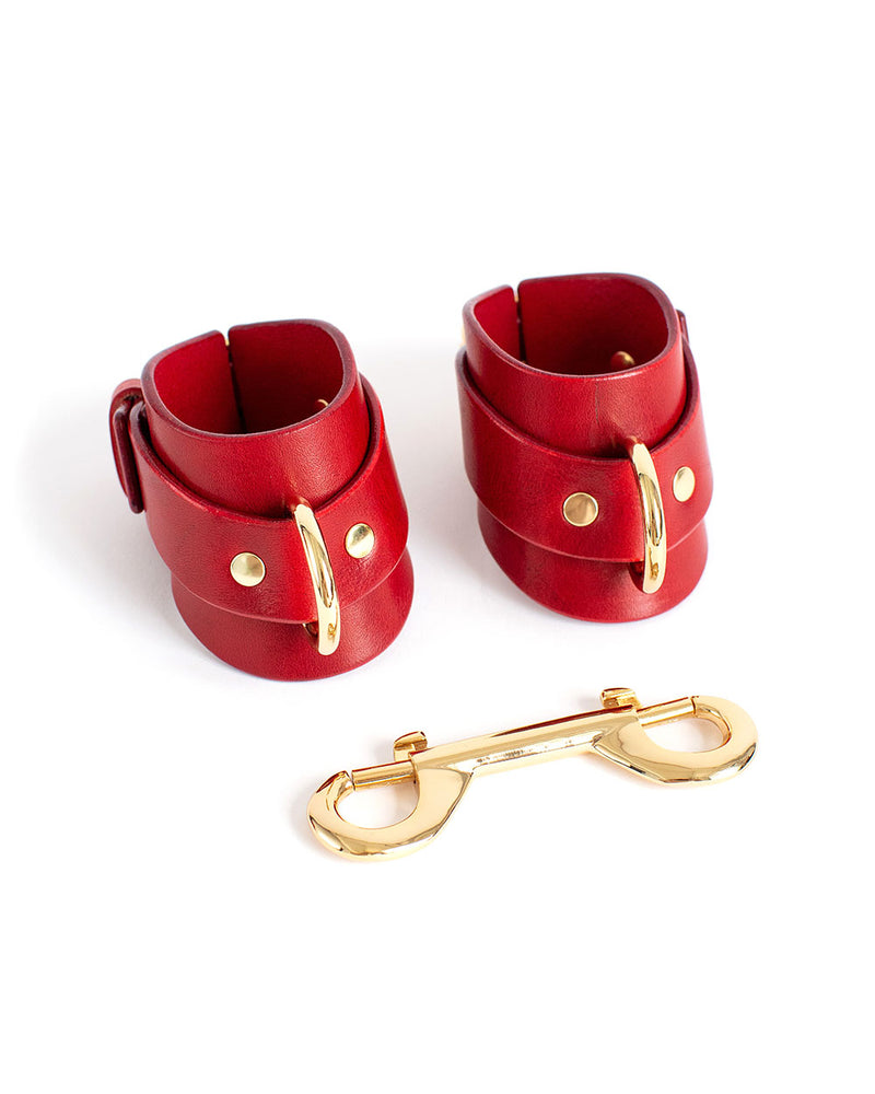 anoeses bdsm leather cuffs Urania