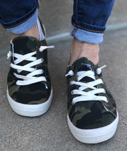 Load image into Gallery viewer, Camo Sneakers