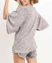 Load image into Gallery viewer, Grey Printed Top w/Kimono Sleeves