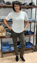 Load image into Gallery viewer, Kancan Super Skinny Camo Jeans