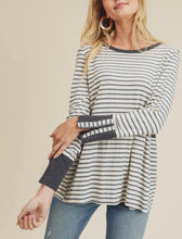 Load image into Gallery viewer, Zip Sleeve Stripes - Charcoal