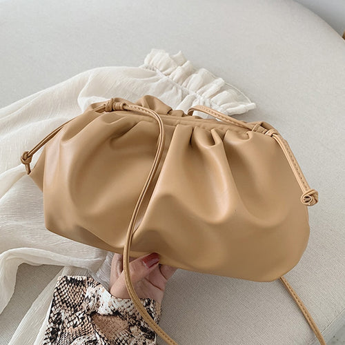 LVNGROSE-The Pouch Clutch -fashion-handbags-jewelry-fashionnova-2019-trending-jewelry-best-jewelry-trends-kylie-jenner