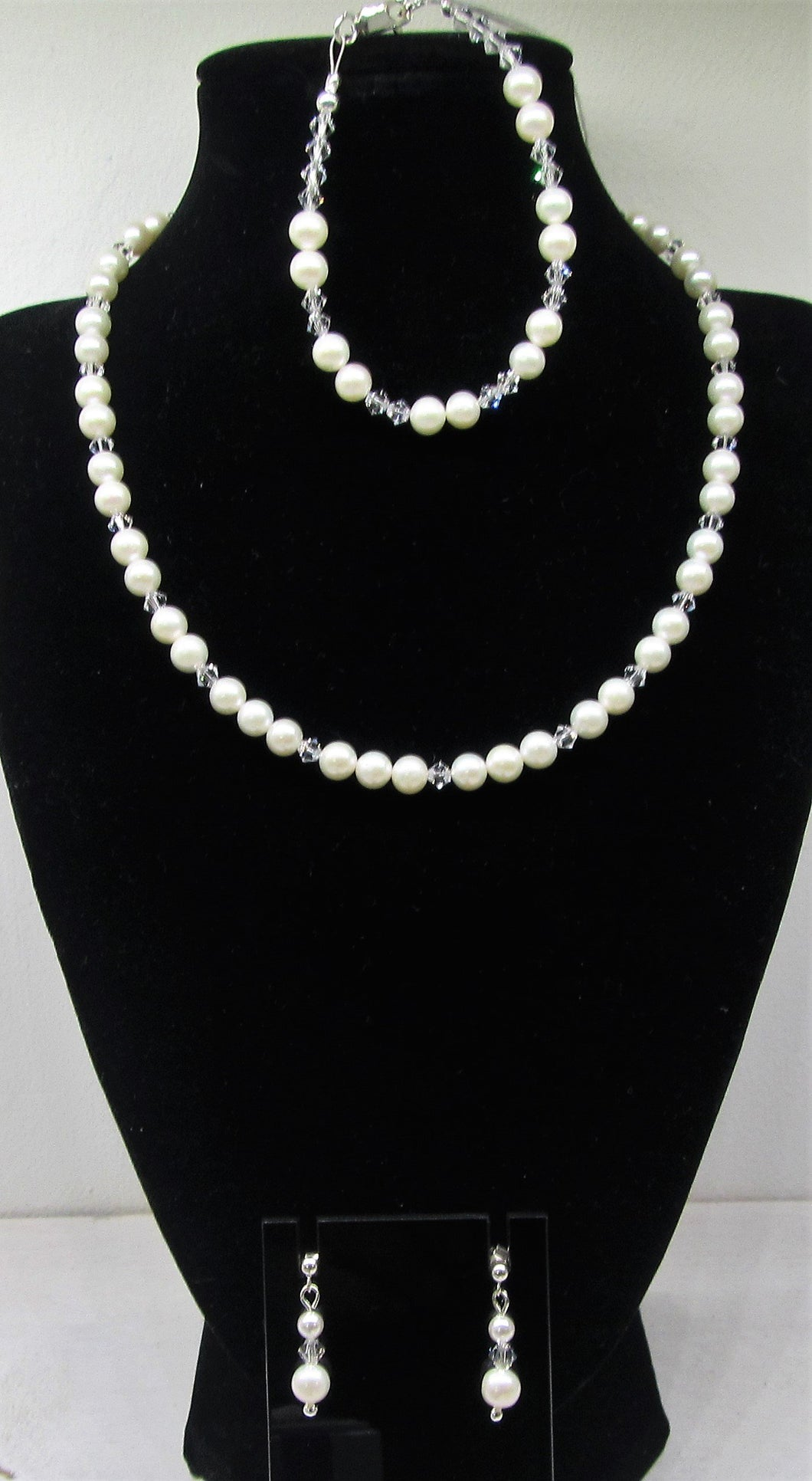 Handcrafted Swavoski crystal and pearl 3 piece jewellery set with 925 sterling silver findings