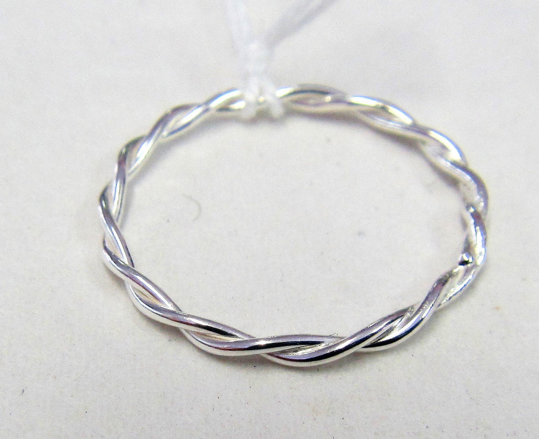 Handcrafted Sterling Silver twisted pattern ring Size R
