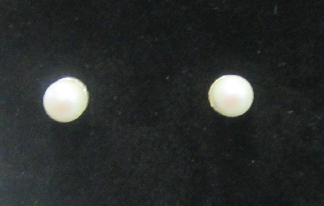 Handcrafted sterling silver pearl stud earrings