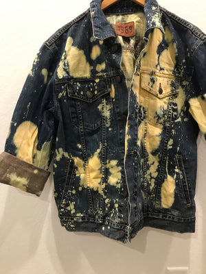 MENS: Size LARGE Denim Jacket (Acid Wash)