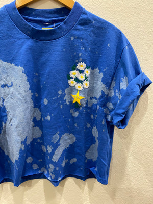 PEO Daisy Crop Tee : Size Large  (#403)