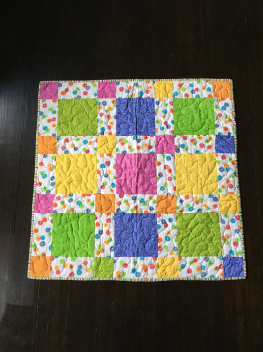 Lots of Daisies baby quilt