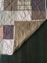 Load image into Gallery viewer, Homespun Plaid Quilt