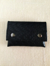 Load image into Gallery viewer, Black woven Billfold