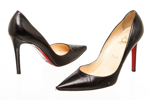 Christian Louboutin Black Leather Pointed Toe Pumps (40.5)