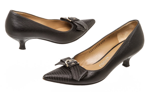 Salvatore Ferragamo Black Leather Pump (Size 6)
