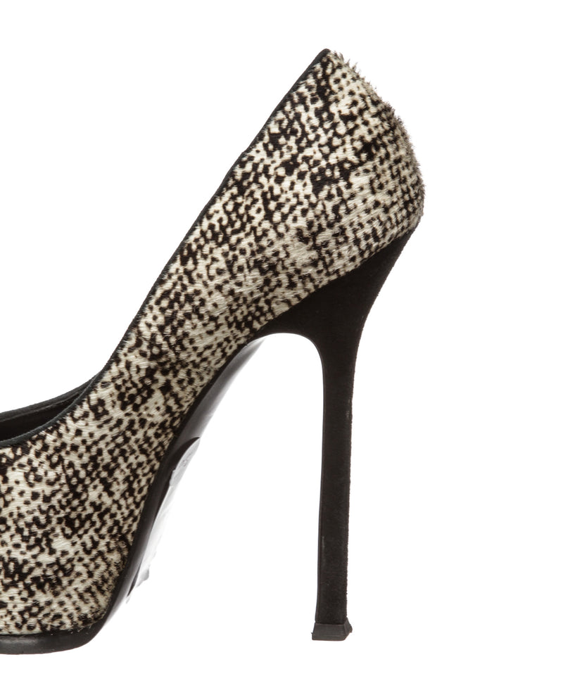 Yves Saint Laurent Black and White Ponyhair Tribute Pump (Size 38)