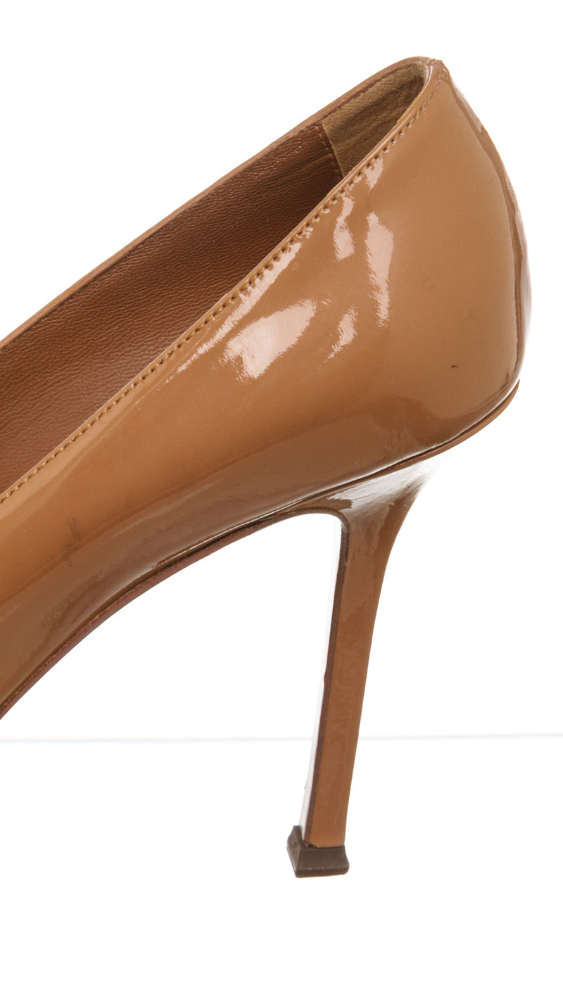 Yves Saint Laurent Brown Patent Tribute Pump (Size 37)