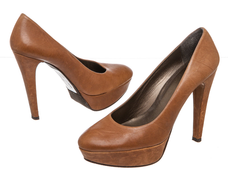 Stuart Weitzman Brown Leather Platform Pump (Size 9)