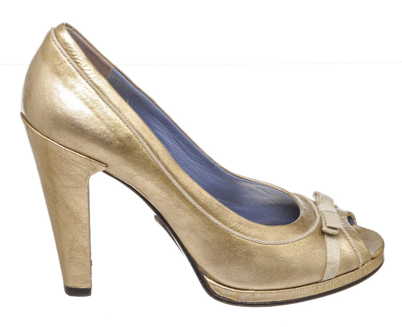 Marc By Marc Jacobs Metallic Gold Patent Leather Peep-Toe Pumps (Size 40)