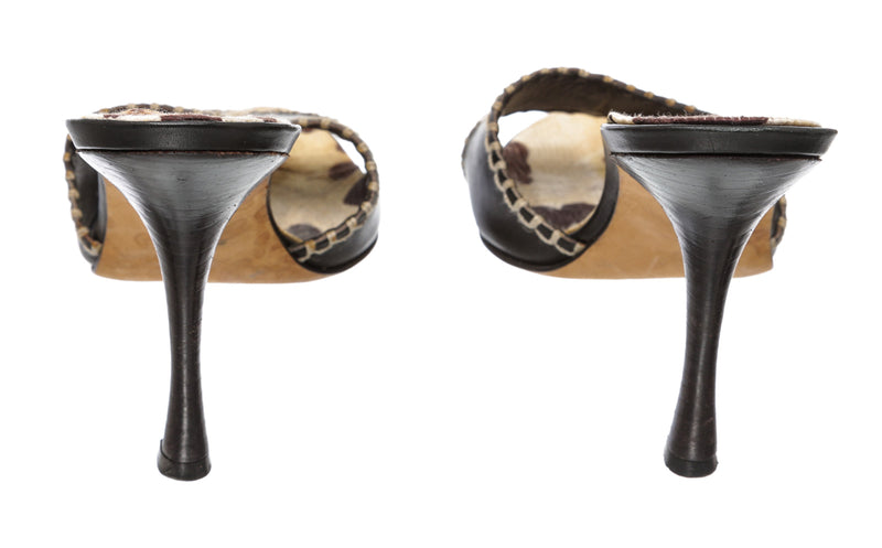 Manolo Blahnik Black and Cream Leather Slides (Size 36.5)