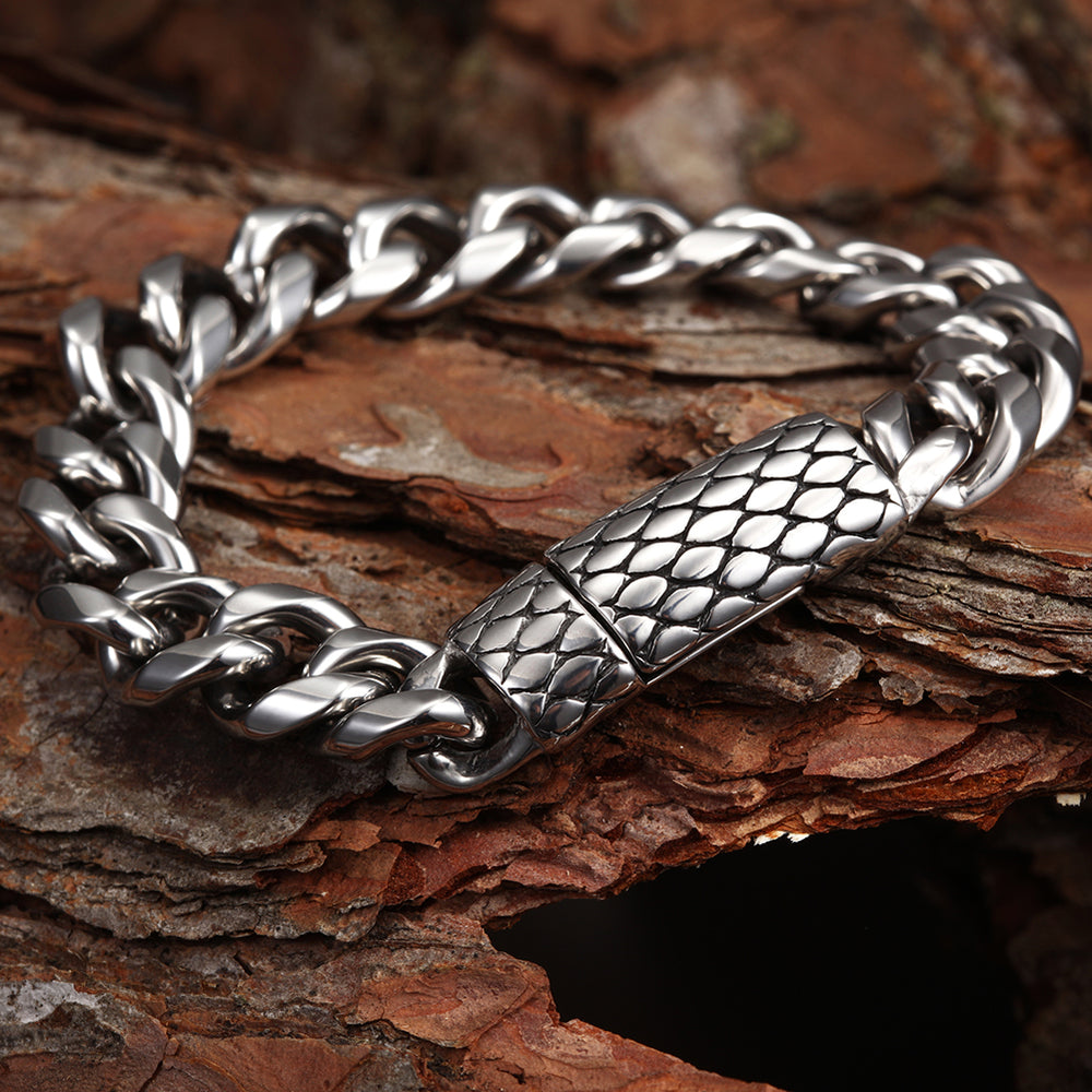 Load image into Gallery viewer, Chunky Curb Chain Bracelet