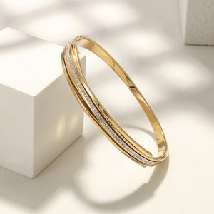 Load image into Gallery viewer, Intertwined CZ Bangle
