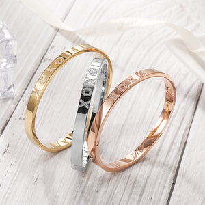XOXO LOVE BANGLE