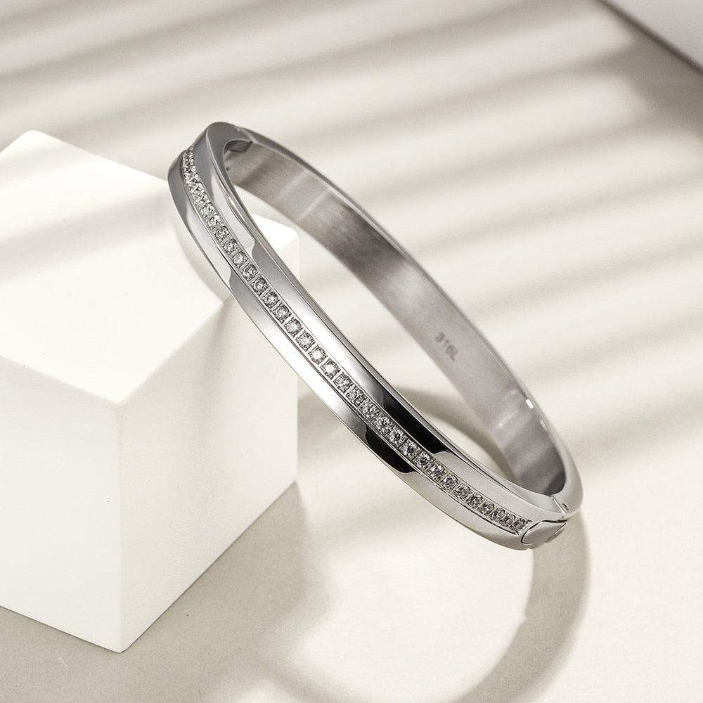 Load image into Gallery viewer, Pavé CZ Hinged Bangle