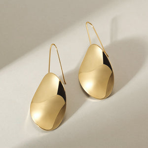 Waved-Sharp Leaf Earrings