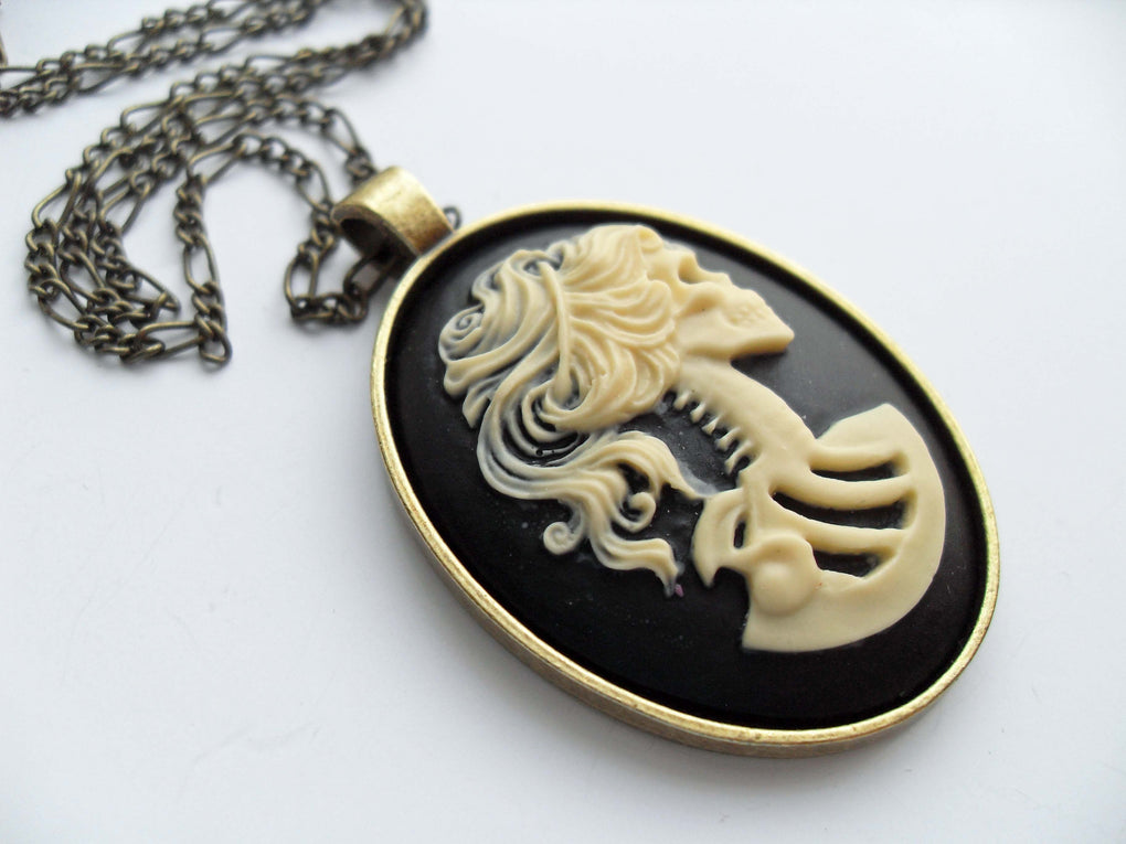 LADY SKULL SKELETON CAMEO NECKLACE