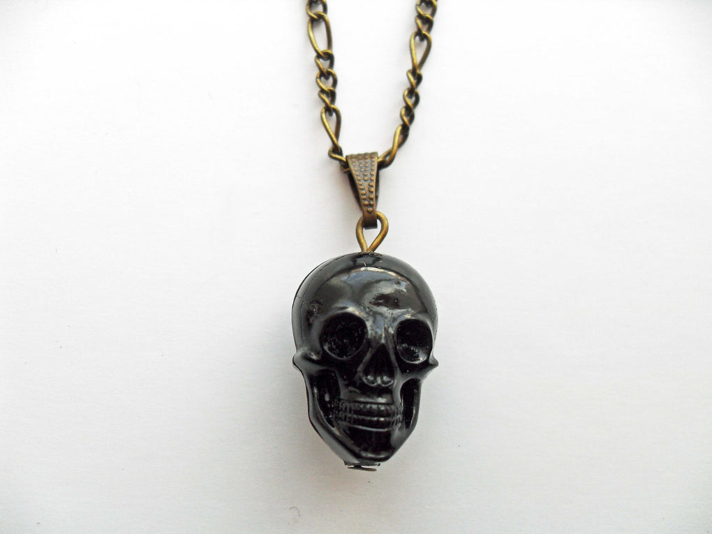 BLACK 2-FACED SKULL NECKLACE