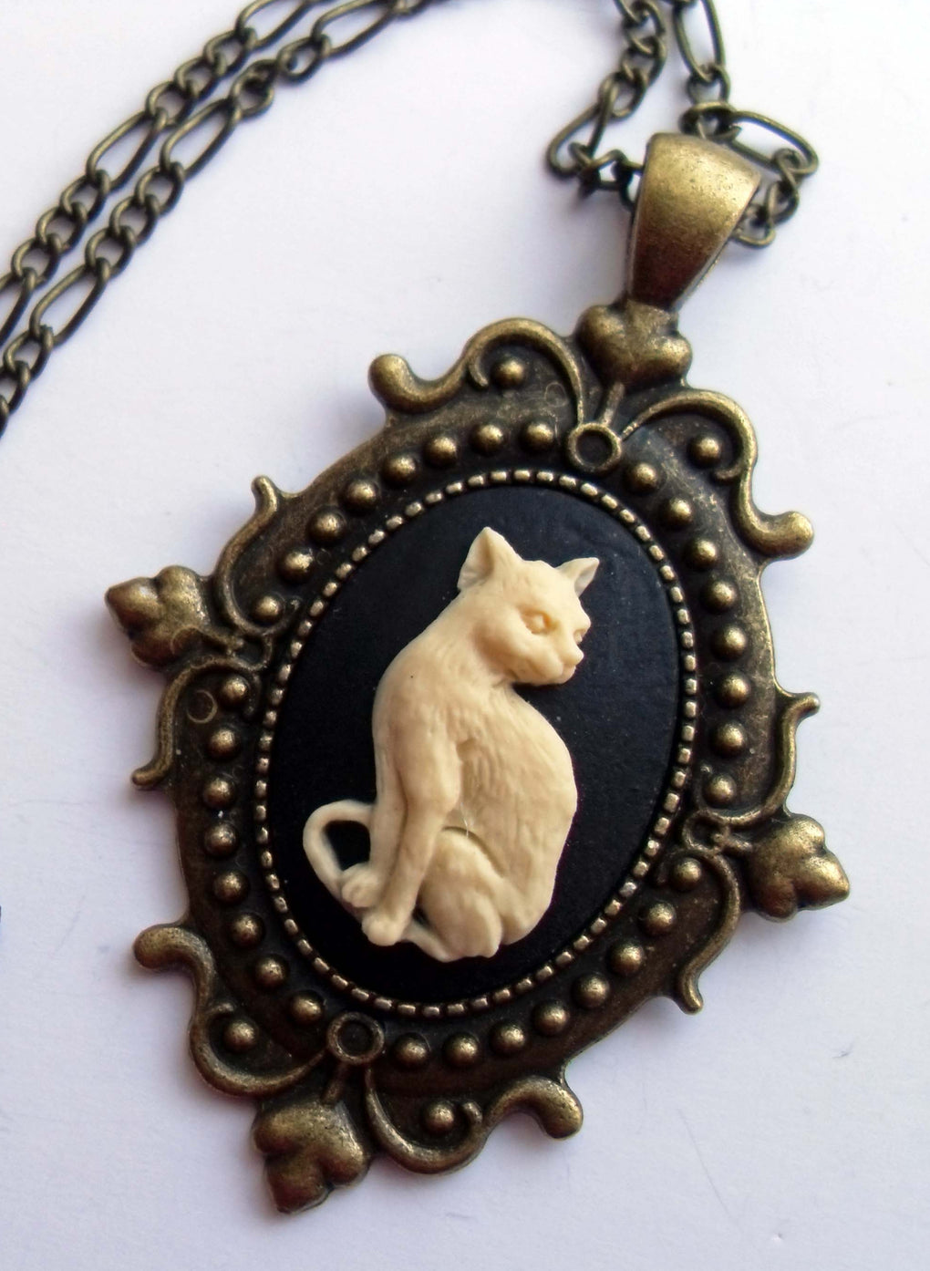 GOTHIC CAT CAMEO NECKLACE