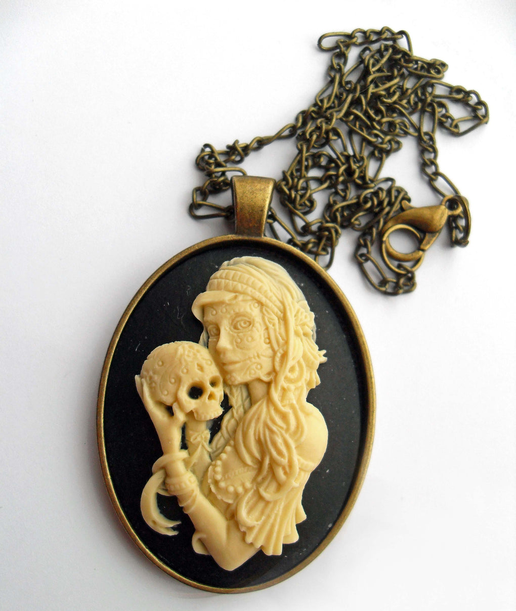 GYPSY WITCH CAMEO NECKLACE