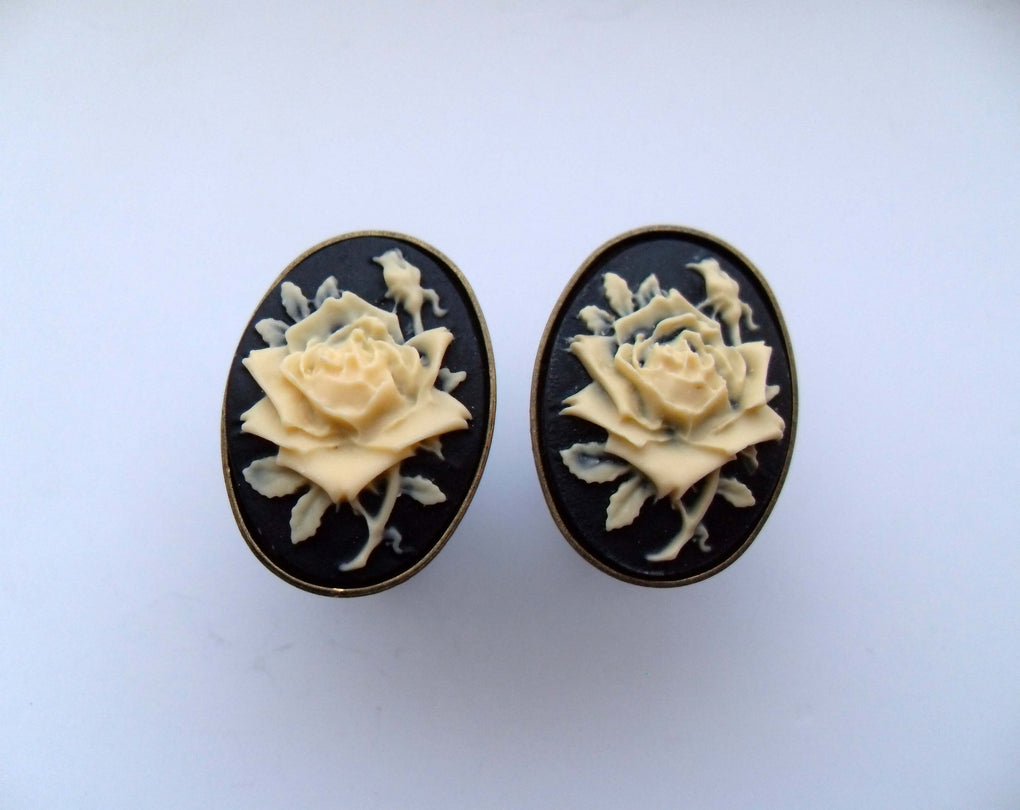 GOTHIC BLACK ROSE CAMEO CUFFLINKS - THEBLACKWARDROBE.COM