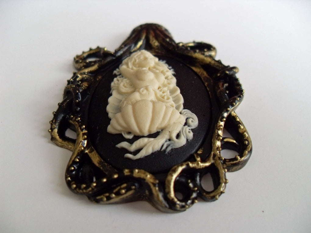 MERMAID KRAKEN CAMEO BROOCH