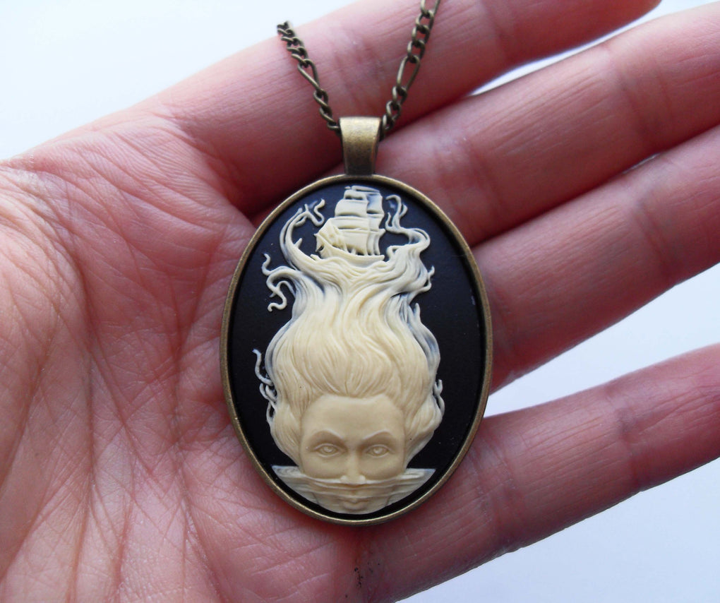 KRAKEN CTHULHU CAMEO NECKLACE