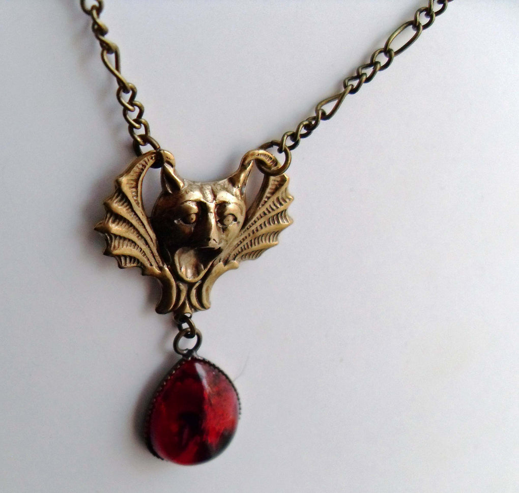 SCREAMING GARGOYLE VAMPIRE NECKLACE - THEBLACKWARDROBE.COM