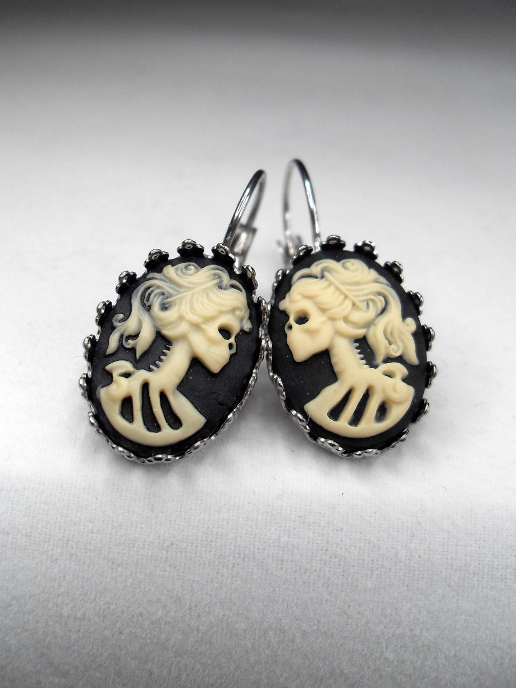 IVORY LADY SKULL CAMEO CROWN EARRINGS