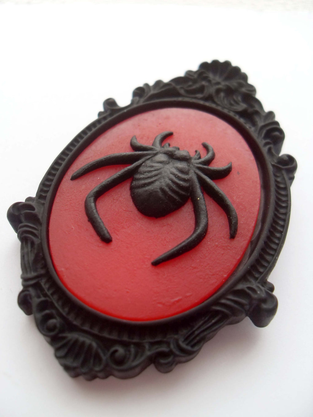 GOTHIC RED SPIDER CAMEO BROOCH
