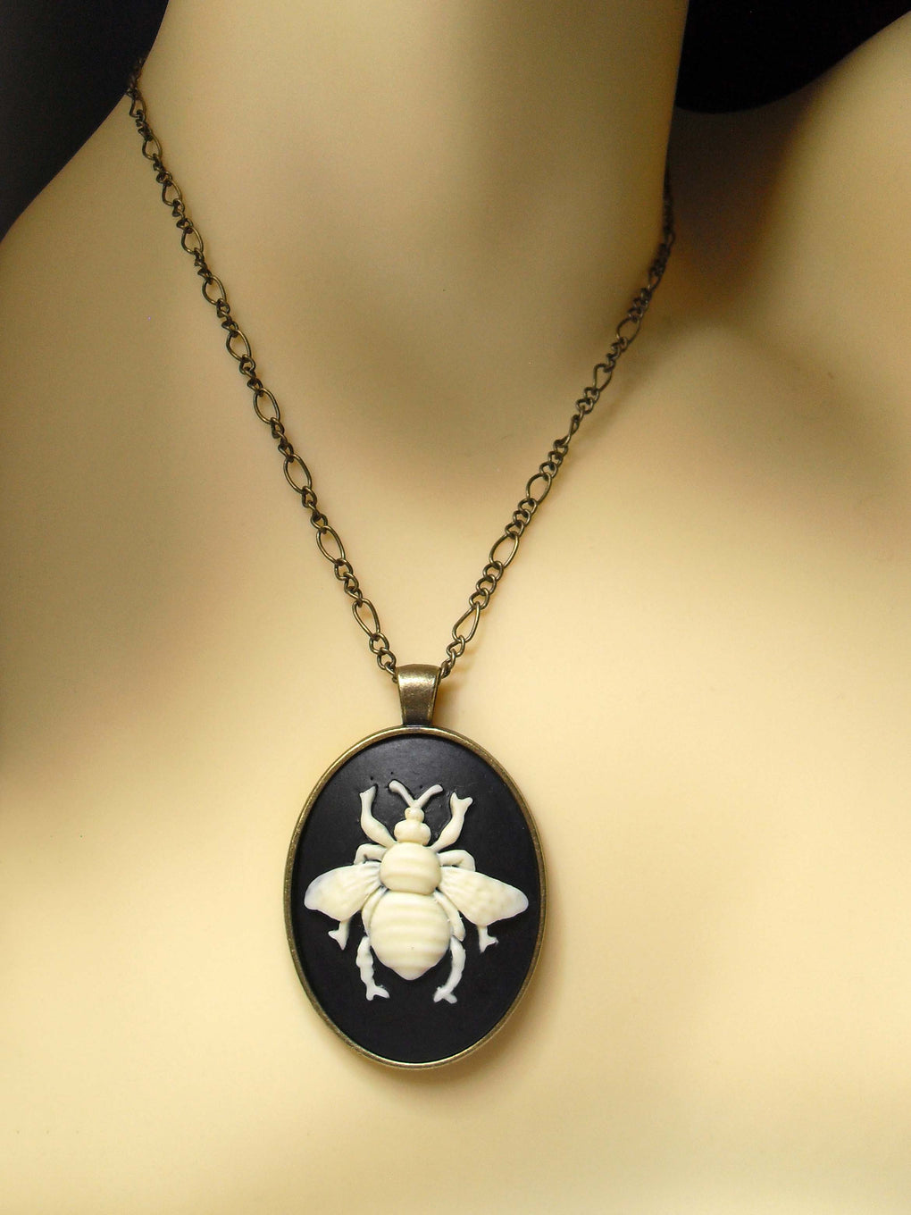 LARGE BEE CAMEO NECKLACE