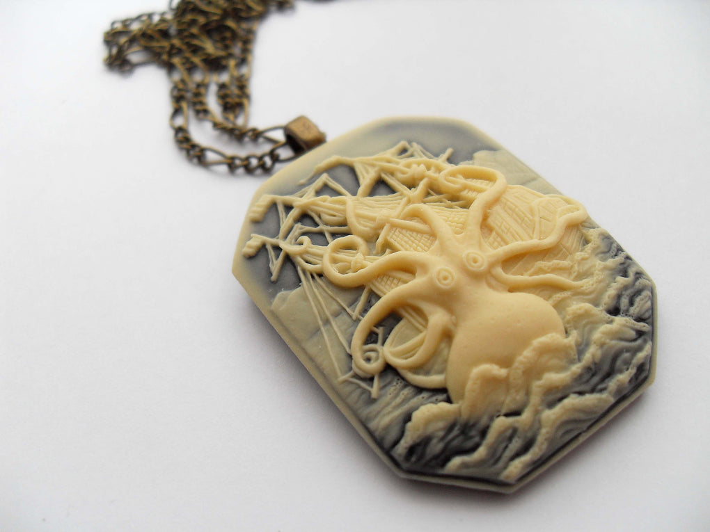 SQUARE CTHULHU KRAKEN CAMEO NECKLACE - THEBLACKWARDROBE.COM