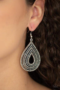 Paparazzi 5th Avenue Attraction Silver Earrings