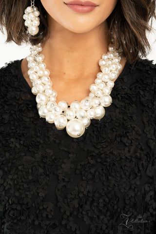 Regal 2020 Zi Necklace and Earrings Set