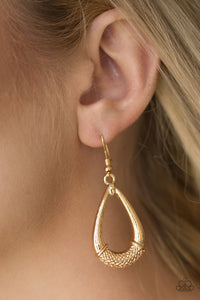 Paparazzi Trending Texture - Gold Earrings